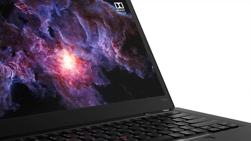 Lenovo ThinkPad T590otrzymał też dedykowaną kartę graficzną NVIDIA GeForce MX250 z 2 GB pamięci wideo-RAM